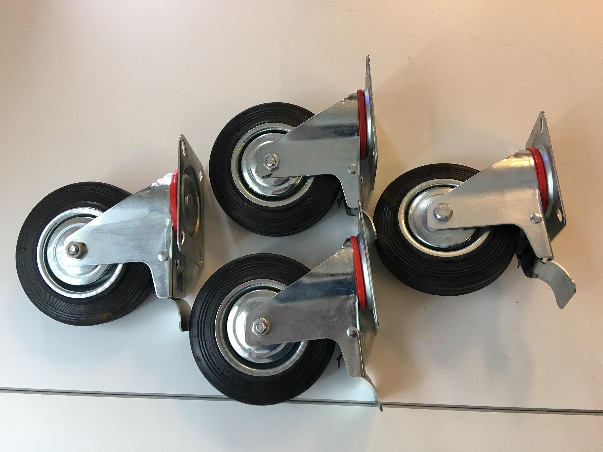 Top Mooi robuuste set van 4 zwenkwielen met rem en rubberen wielcovers LU36